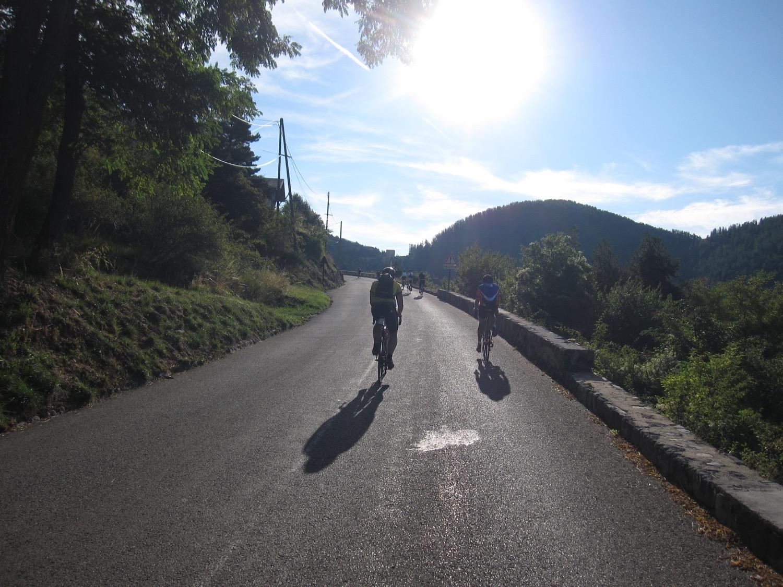 der Sonne entgegen auf den Col de Turini